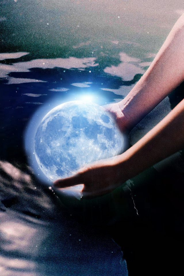 #FreeToEdit  #bokeh  #colorsplash  #water  #moon